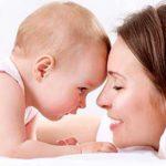 متى يبدا الحبو عند الاطفال؟