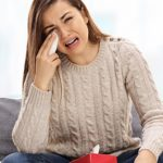 علاج انتفاخ العين بعد البكاء بالمنزل