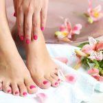 علاج تشققات القدمين الشديد .. بخلطات طبيعية مجربة
