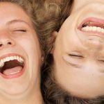 هل يوجد علاج بالضحك للمشاكل النفسية ؟